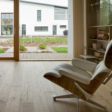Ek Pure Wood täljd & oljevaxad yta